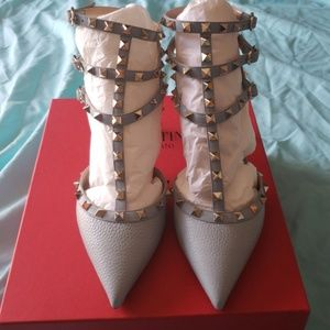 Valentino Shoes - Authentic valentino kitten heel